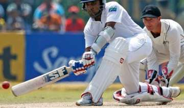 sri lanka fight hard to save second test - India...
