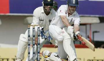 strauss is defensive dhoni thrives on aggression...