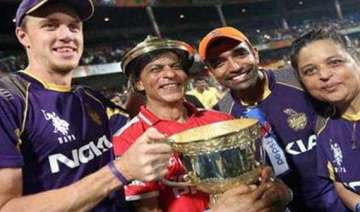 this how king khan celebrated his kinghts victory...