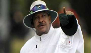 umpire billy doctrove retires from international...