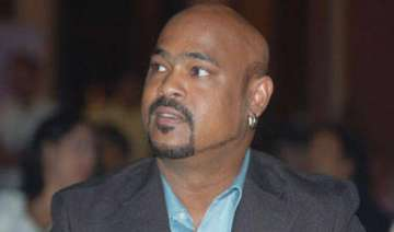 vinod kambli files complaint against foreign lady...