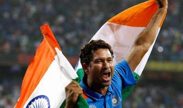 with tears in eyes sachin does the lap of honour...