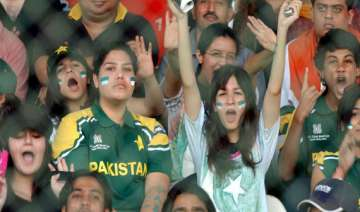 5 000 visas to be issued to pakistani cricket...