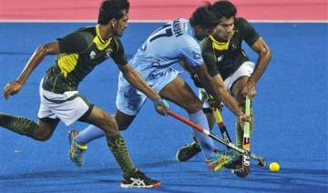 india suffer close 3 4 defeat against pakistan -...
