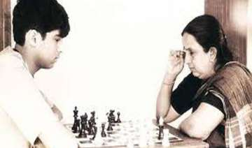 viswanathan anand s mother passes away - India TV