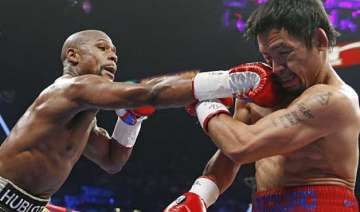 floyd mayweather jr. defeats manny pacquiao in...