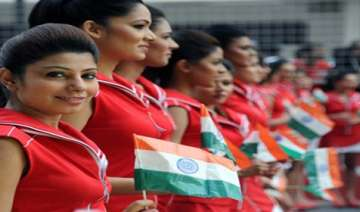 say hello to indian gp grid girls - India TV