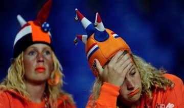 badly shaken dutch now look to 2014 world cup -...