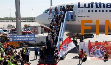 bayern fans scramble for champions league tickets...