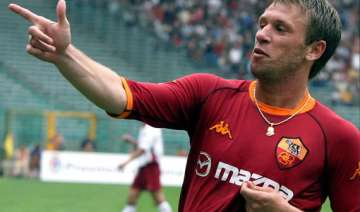cassano apologizes for attack on tv crew - India...