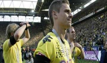 dortmund defender piszczek has groin operation -...