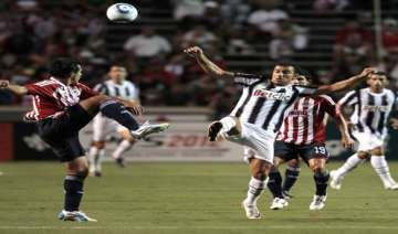 early goal lifts juventus past chivas 1 0 - India...