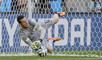 fifa world cup brazil beats chile in penalty...