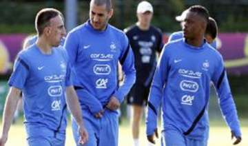 french look to end six years of group hell -...