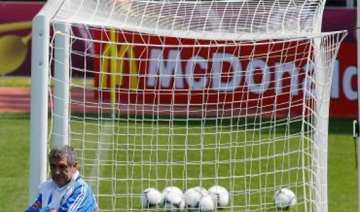 greece has another absentee scare at euro 2012 -...