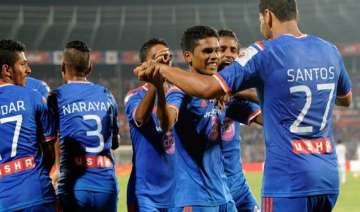 isl fc goa drub northeast united 3 0 move to...
