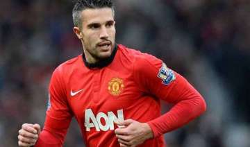 united offer van persie 5 million pounds to leave...