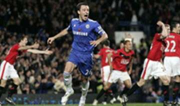 chelsea beat manchester united 1 0 to go 5 points...