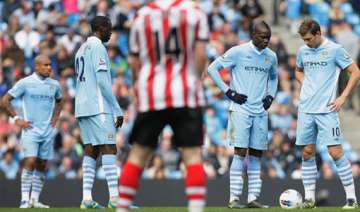 man city misses chance to pressure man united -...