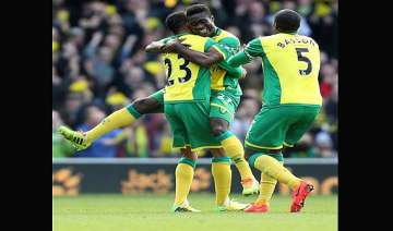 norwich beat sunderland 2 0 in epl. - India TV