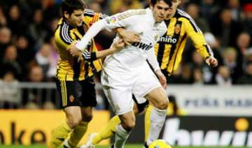 real madrid win easily to pile pressure on barca...