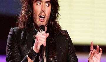russell brand turns soccer expert for charity -...