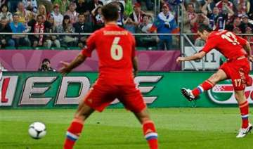 russia fans at euro 2012 attack stewards - India...