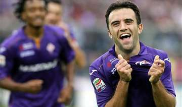 serie a fiorentina stuns juventus 4 2 with rossi...