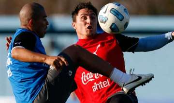 uruguay and paraguay play for copa america title...
