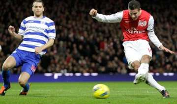 van persie sends arsenal back to 4th with qpr win...