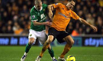 wolves equalizes twice to draw 2 2 with norwich -...