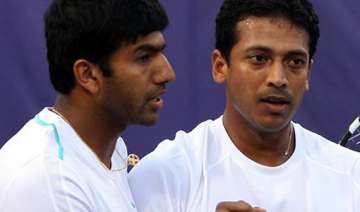 bhupathi bopanna survive scare enter doubles...
