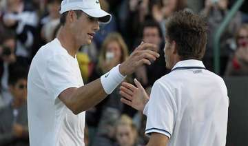 hall of fame top seeded isner advances - India TV