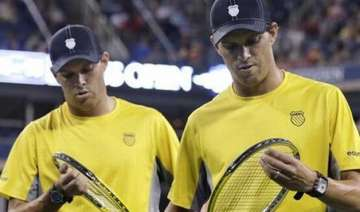 australian open 2015 bryan brothers out in 3rd...