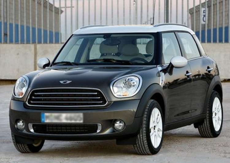 bmw launches mini cooper diesel in india at rs lakh. Black Bedroom Furniture Sets. Home Design Ideas