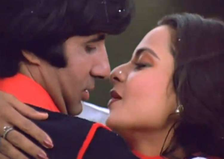 eight great romantic scenes of big b with rekha- India Tv