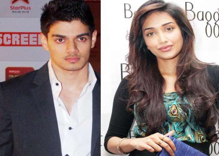 jiah khan hanged herself after phone call from boyfriend suraj pancholi police- India Tv