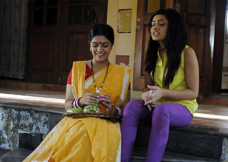 ready to experiment with looks pooja gor- India Tv