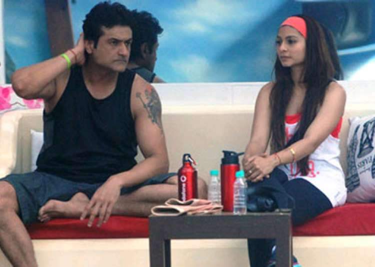 bigg boss 7 armaan abuses tanisha see pics- India Tv