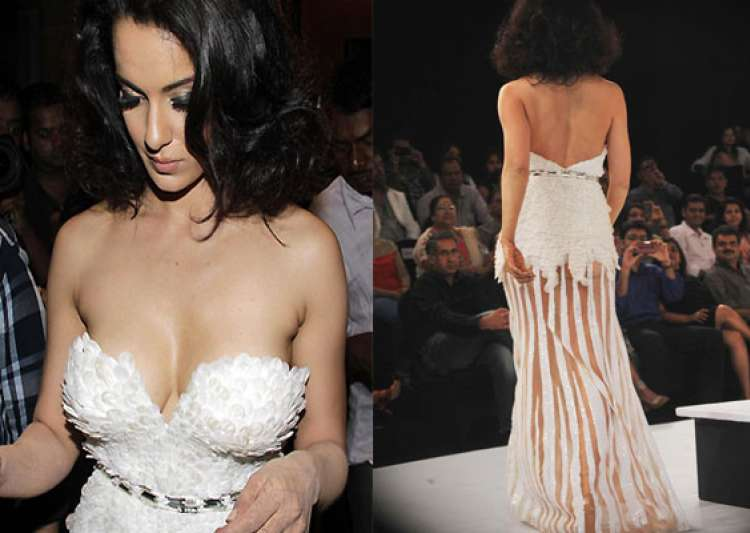 kangana ranaut suffers wardrobe malfunction- India Tv