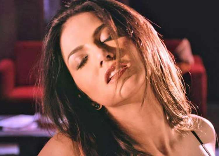 sunny leone s hot uncensored scene from ragini mms 2 leaked- India Tv