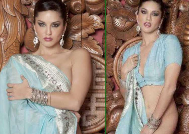 sunny leone poses in hot blue sari sans blouse- India Tv