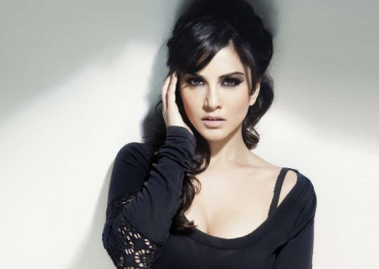 sunny leone s first look in jism 2 revealed- India Tv