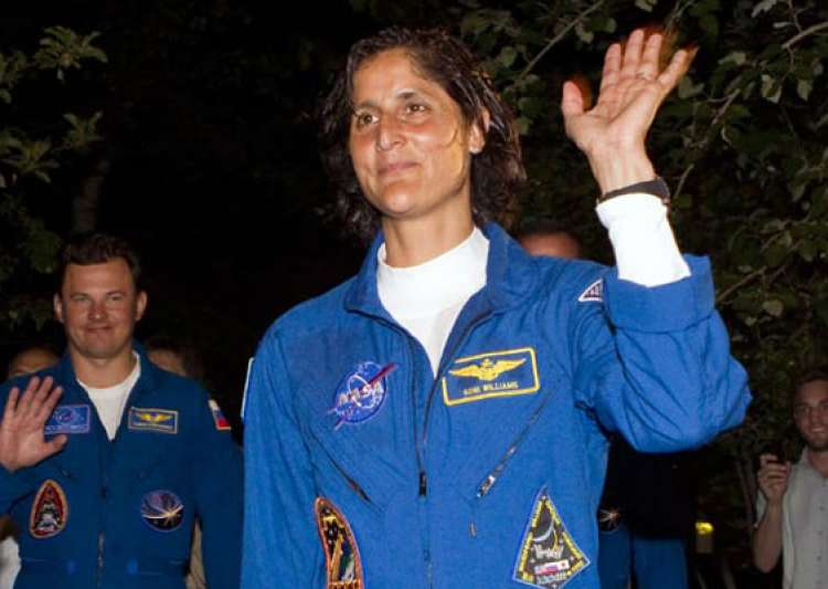 sunita williams takes over command at intl space station- India Tv
