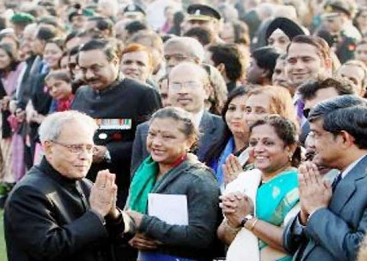 at his republic day reception president pranab gives tradition a break- India Tv