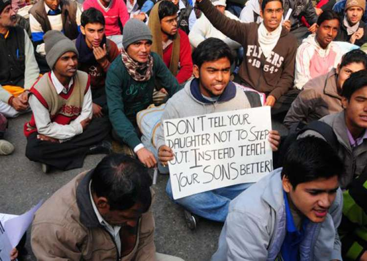 delhi gangrape victim cremated protests continue at jantar mantar- India Tv