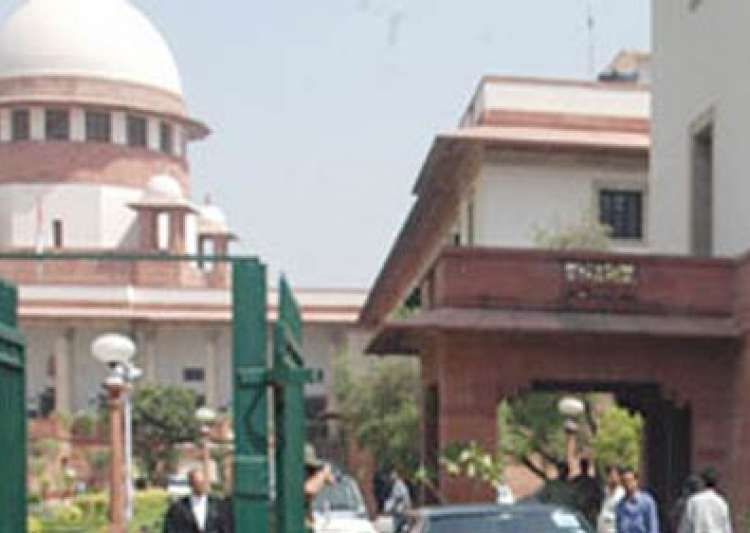 sc slams govt for equating housewives with- India Tv