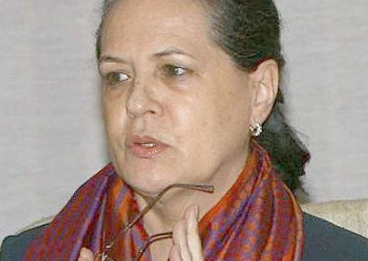 Sonia Meets Senior Party Colleagues On Telangana As ...