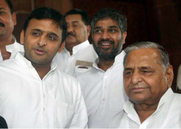 no relief for mulayam akhilesh in disproportionate assets case- India Tv