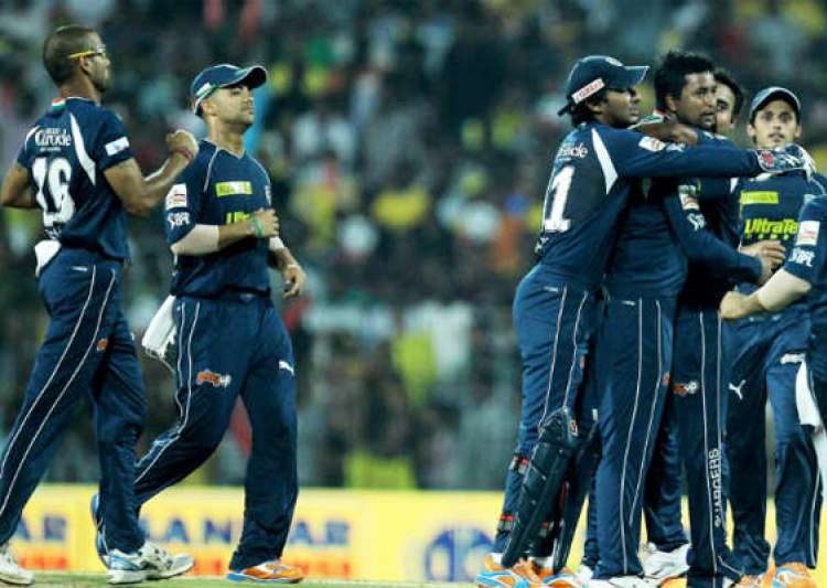deccan chargers sign up emirates as team sponsor- India Tv